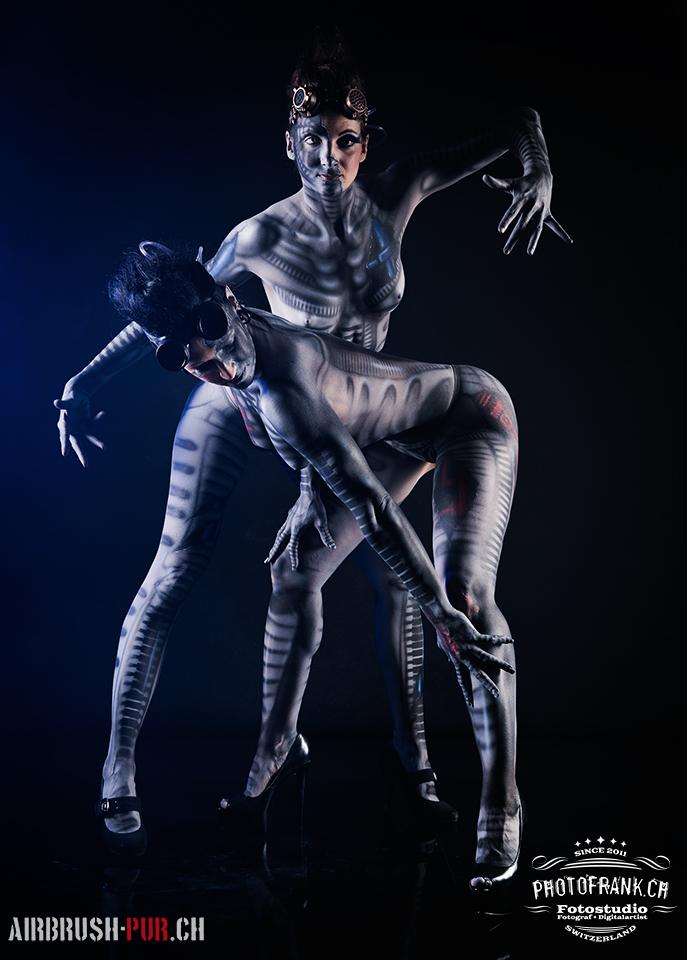Bodypainting mit Miriam & Ramona